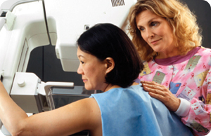 woman-getting-mammogram-image